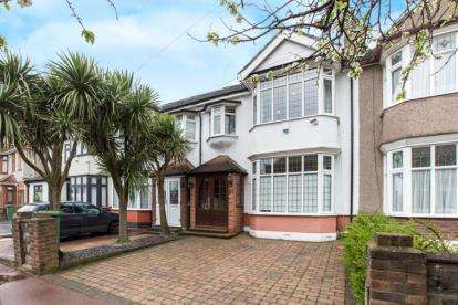 4 Bedrooms Terraced House for sale in Barking