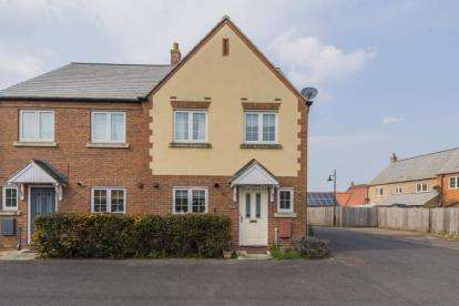 3 Bedrooms Semi Detached House for sale in Littleport, Ely, Cambridgeshire