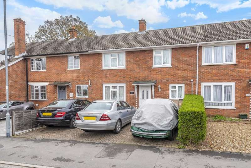3 Bedrooms House for sale in Pondmoor Road, Bracknell, Berkshire, RG12