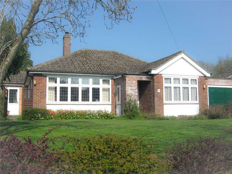 3 Bedrooms Detached Bungalow for sale in Briants Piece, Hermitage, Thatcham, Berkshire, RG18