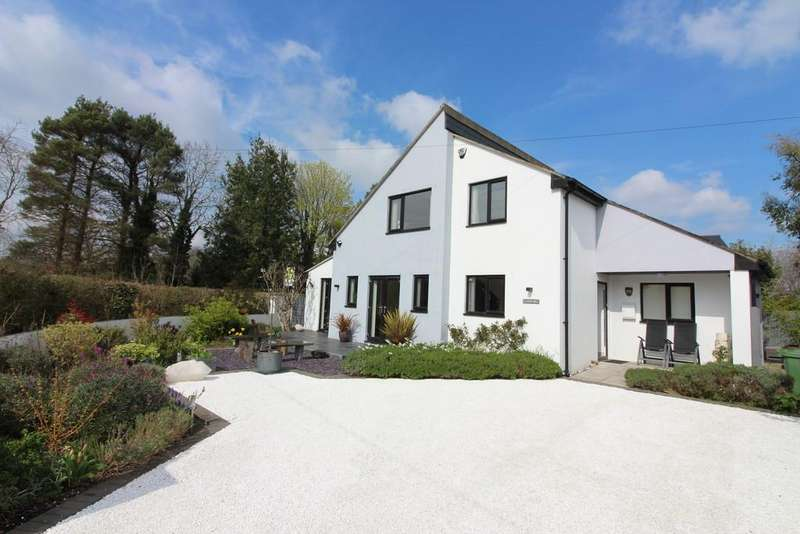 3 Bedrooms Detached House for sale in Higher Brooks, Street