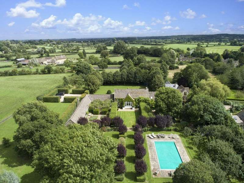 6 Bedrooms Detached House for sale in Eastcourt, Malmesbury, Wiltshire, SN16