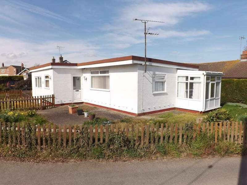 2 Bedrooms Detached Bungalow for sale in Holbeach Clough