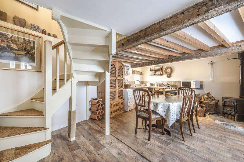 3 Bedrooms Cottage House for sale in TUCKED-AWAY JUST OFF THE SQUARE, BEAMINSTER