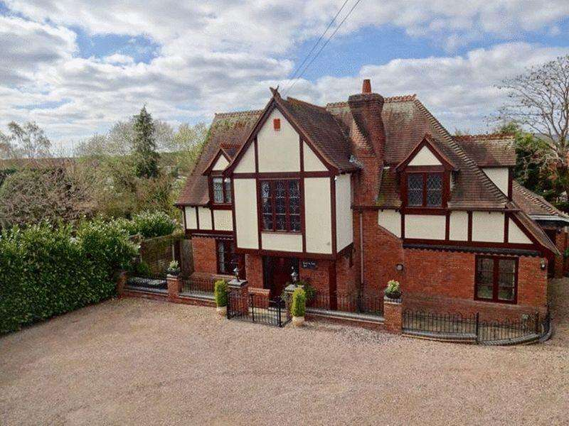 3 Bedrooms Detached House for sale in Worcester Road, Stourport-On-Severn DY13 9AR