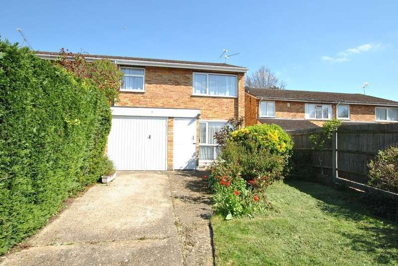 3 Bedrooms Semi Detached House for sale in Gayhurst Close, Caversham Park, Reading