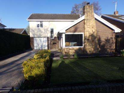 4 Bedrooms Detached House for sale in Henblas, Flint Mountain, Flint, Flintshire, CH6