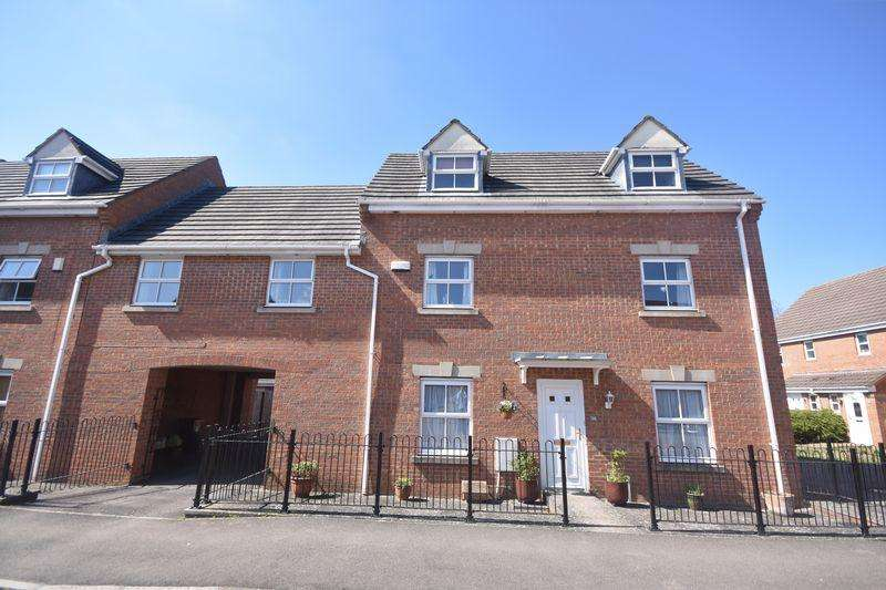 4 Bedrooms Semi Detached House for sale in Johnson Road Emersons