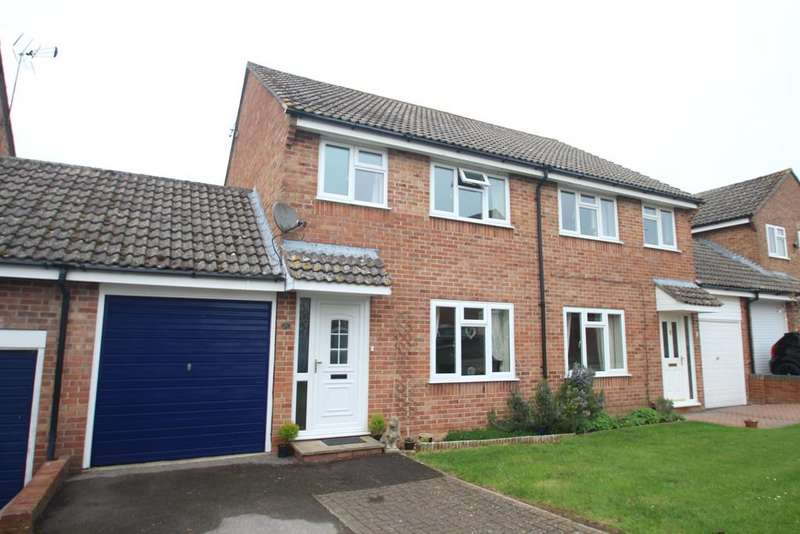 3 Bedrooms Semi Detached House for sale in Gladstone Close, Kintbury RG17