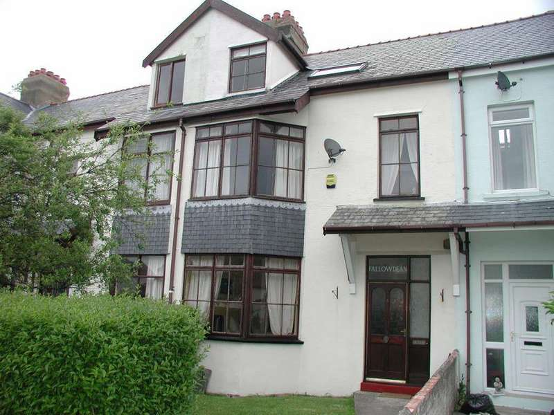 4 Bedrooms Terraced House for sale in Belgrave Road, Fairbourne