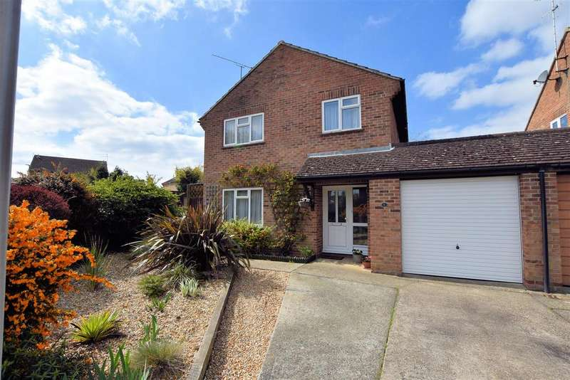 4 Bedrooms Detached House for sale in Devonshire Gardens, Tilehurst, Reading
