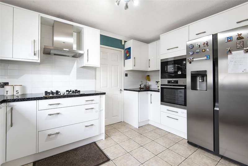 4 Bedrooms Link Detached House for rent in Greenacres Avenue, Winnersh, Wokingham, Berkshire, RG41