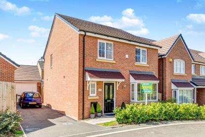 4 Bedrooms Detached House for sale in Salmon Drive, Chelmsley Wood, Birmingham, .