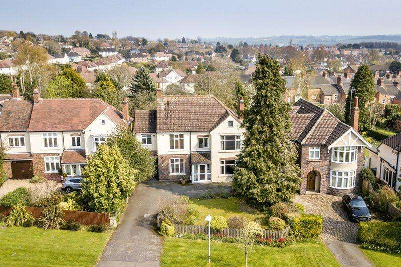 4 Bedrooms Detached House for sale in Burnmill Road, Market Harborough