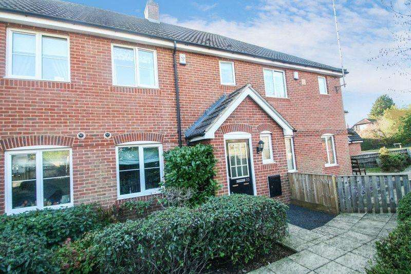 4 Bedrooms Town House for sale in Plomer Hill, High Wycombe