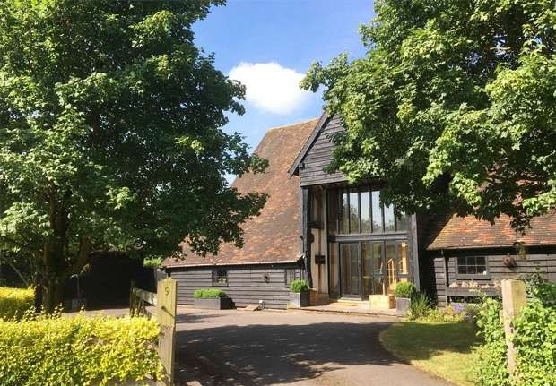 4 Bedrooms Barn Conversion Character Property for sale in Dynes Barn, 9 Old Barn Close, Kemsing, Sevenoaks, Kent