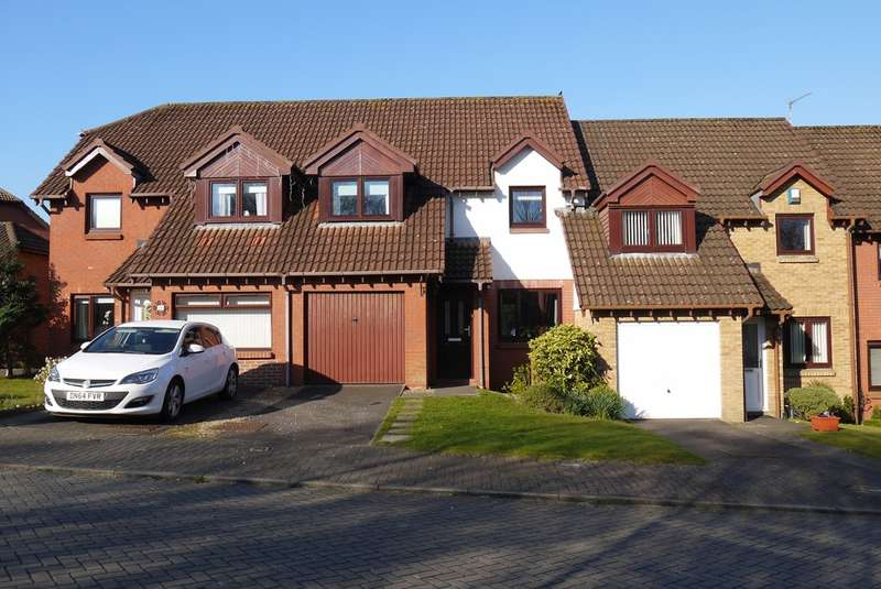 3 Bedrooms Terraced House for sale in Capper View, Prestwick, KA9
