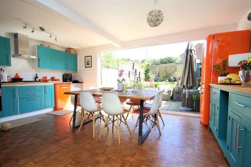 3 Bedrooms Terraced House for sale in Victoria Road, Wargrave, Reading, RG10
