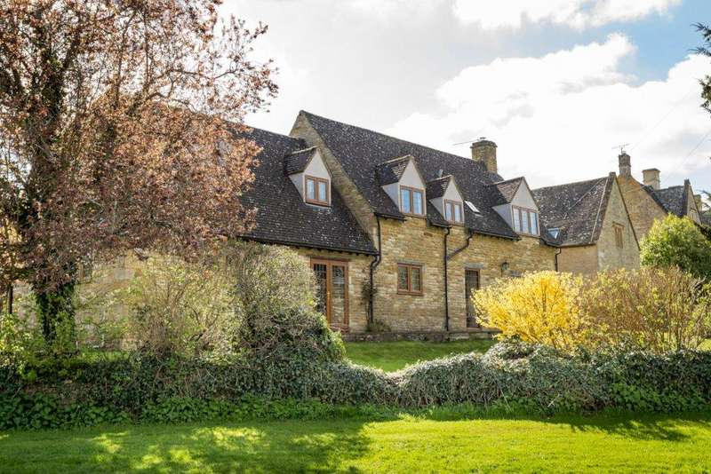 4 Bedrooms Detached House for sale in Ashford House, Broadwell, Gloucestershire, GL56