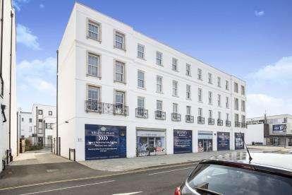 1 Bedroom Flat for sale in Prince Regent Mews, Winchcombe Street, Cheltenham, Gloucestershire