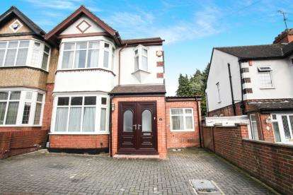 5 Bedrooms Semi Detached House for sale in Culverhouse Road, Luton, Bedfordshire, .