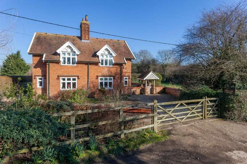 4 Bedrooms Cottage House for sale in Wymondham