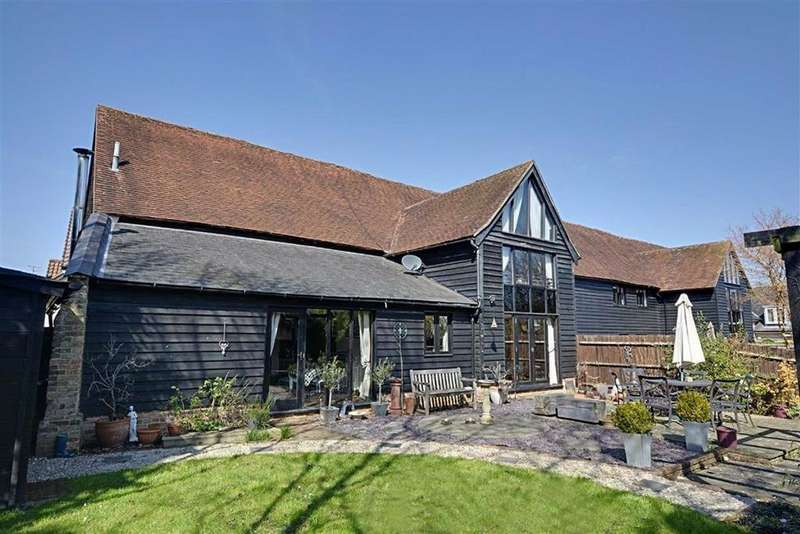 4 Bedrooms Barn Conversion Character Property for sale in Newmans Court, Watton At Stone, SG14