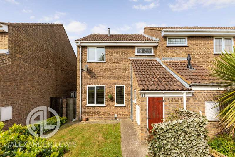 3 Bedrooms End Of Terrace House for sale in Chase Hill Road, Arlesey, SG15 6UE