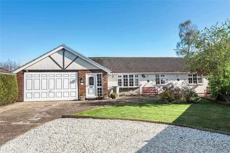 4 Bedrooms Detached Bungalow for sale in Birds Holt Close, Skellingthorpe, LN6