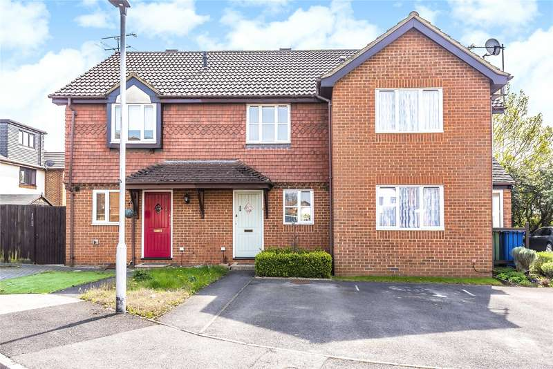 2 Bedrooms Terraced House for sale in Lancashire Hill, Warfield, Berkshire, RG42