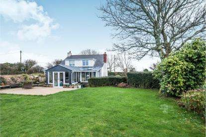 3 Bedrooms Detached House for sale in Fraddam, Hayle, Cornwall