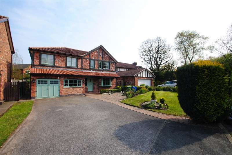 5 Bedrooms Detached House for sale in Chiswick Gardens, APPLETON, Warrington, WA4