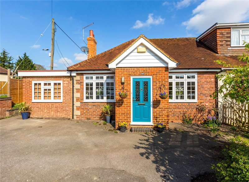 2 Bedrooms Detached Bungalow for sale in Woodlands Park Road, Maidenhead, Berkshire, SL6