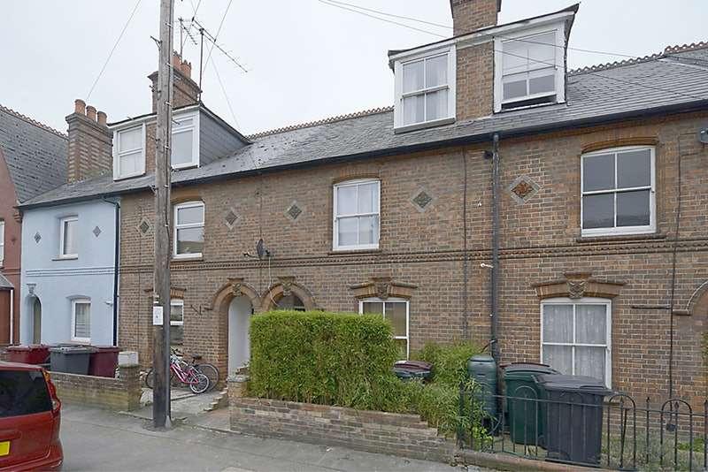 2 Bedrooms Terraced House for sale in Elgar Road, Reading, Berkshire, RG2