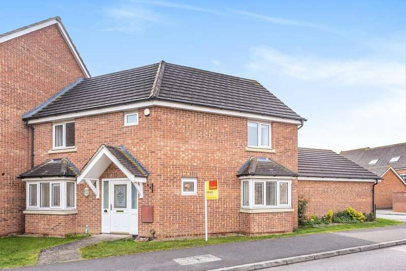 3 Bedrooms House for sale in Observer Drive, Thatcham, RG19