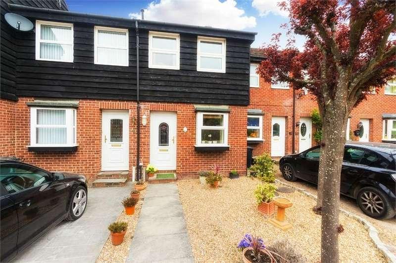 2 Bedrooms Terraced House for sale in Harkness Road, Burnham, Buckinghamshire
