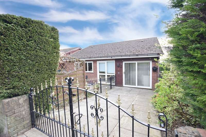 4 Bedrooms Detached House for sale in Hillside Park, BARGOED