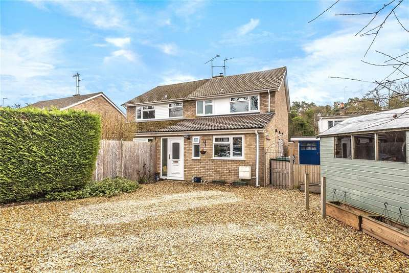 3 Bedrooms Semi Detached House for sale in Normoor Road, Burghfield Common, Reading, Berkshire, RG7
