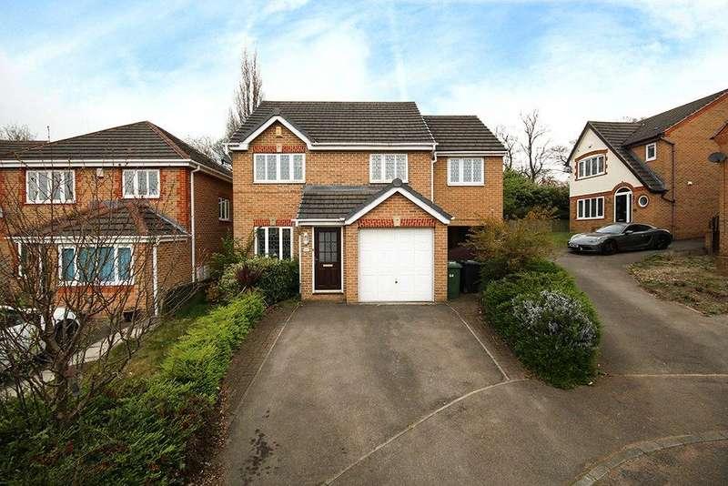 4 Bedrooms Detached House for sale in Fieldhead Way, Heckmondwike, West Yorkshire, WF16