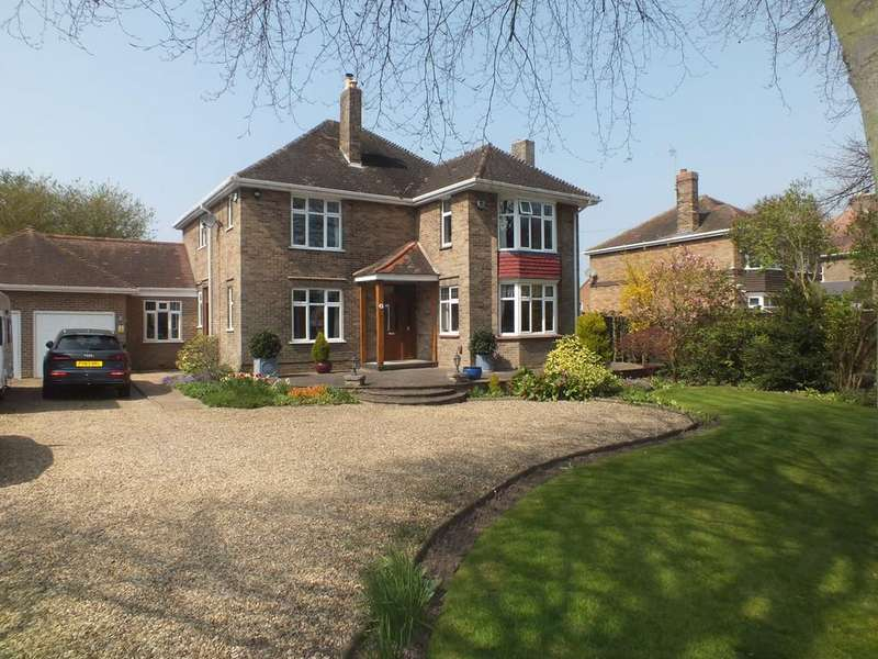 5 Bedrooms Detached House for sale in Church Street, Pinchbeck