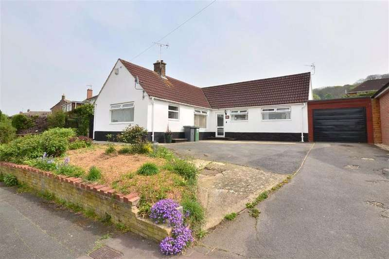 3 Bedrooms Bungalow for sale in Campden Road, Tuffley, Gloucester, GL4