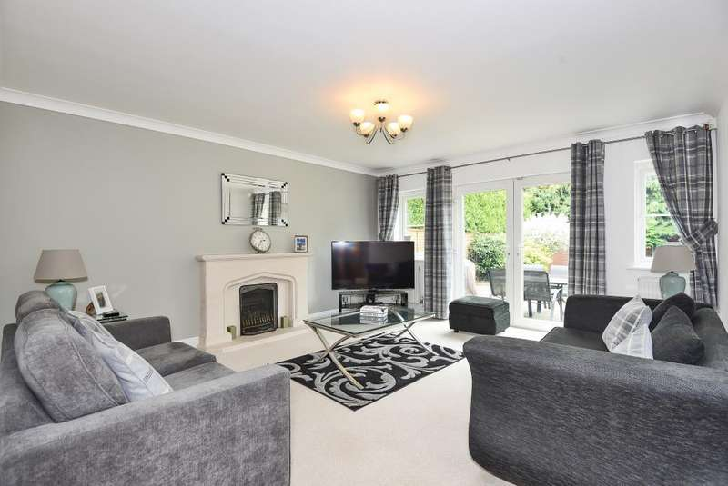 4 Bedrooms Detached House for rent in Robinhood Lane, Winnersh, RG41