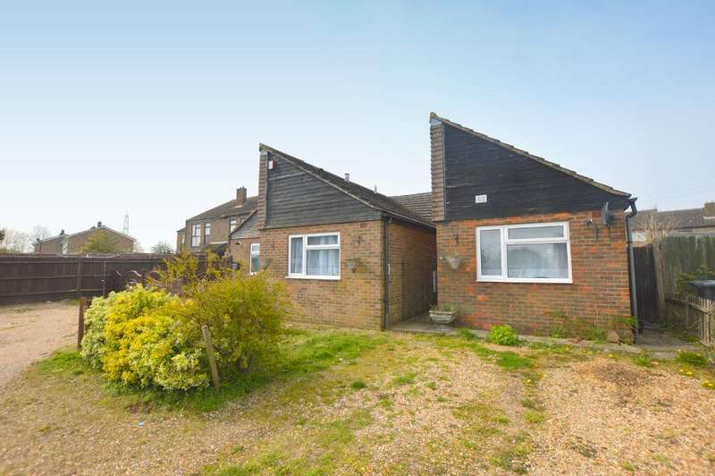 3 Bedrooms Bungalow for sale in Hills View, Upper Sundon, Luton, Bedfordshire, LU3 3PD