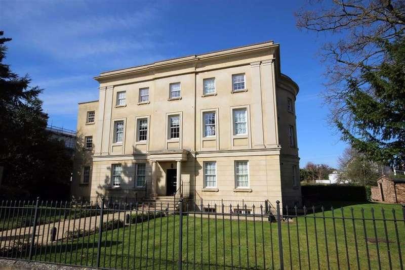 2 Bedrooms Flat for sale in The Park, The Park, Cheltenham, GL50