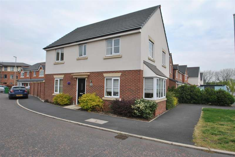 4 Bedrooms Detached House for sale in Wedgwood Drive, STOCKTON HEATH, Warrington, WA4