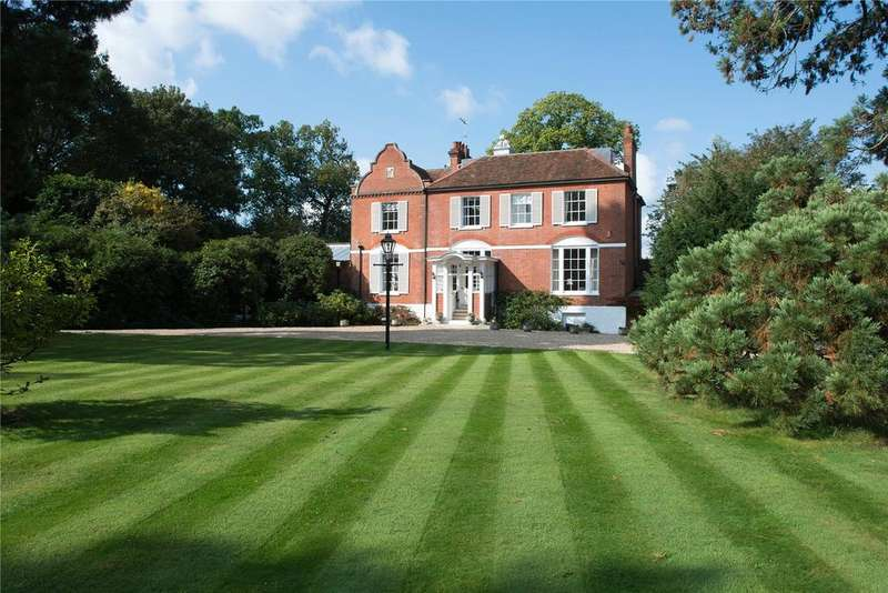 6 Bedrooms Detached House for sale in Forest Road, Winkfield Row, Bracknell, Berkshire