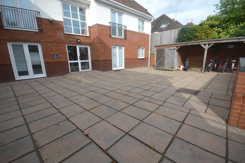 6 Bedrooms Flat for sale in Palmerstone Place, Reading
