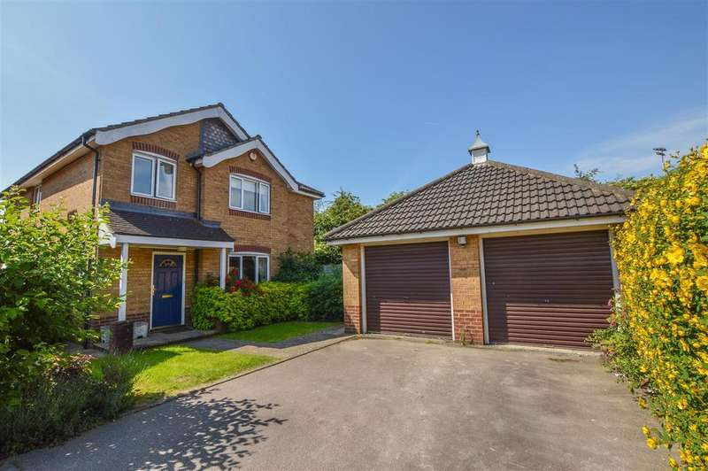 4 Bedrooms Detached House for sale in Suffolk Close, London Colney, St. Albans, AL2