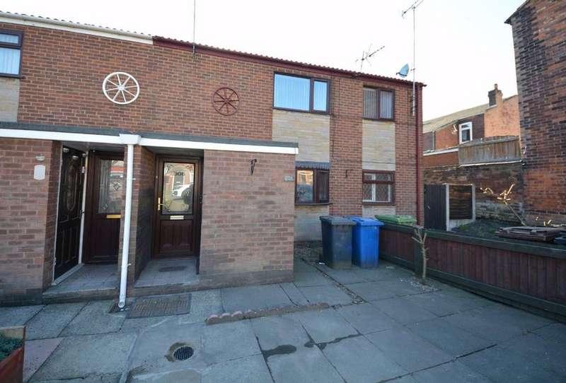 2 Bedrooms Flat for sale in Warrington Road, Springview, Wigan, WN3