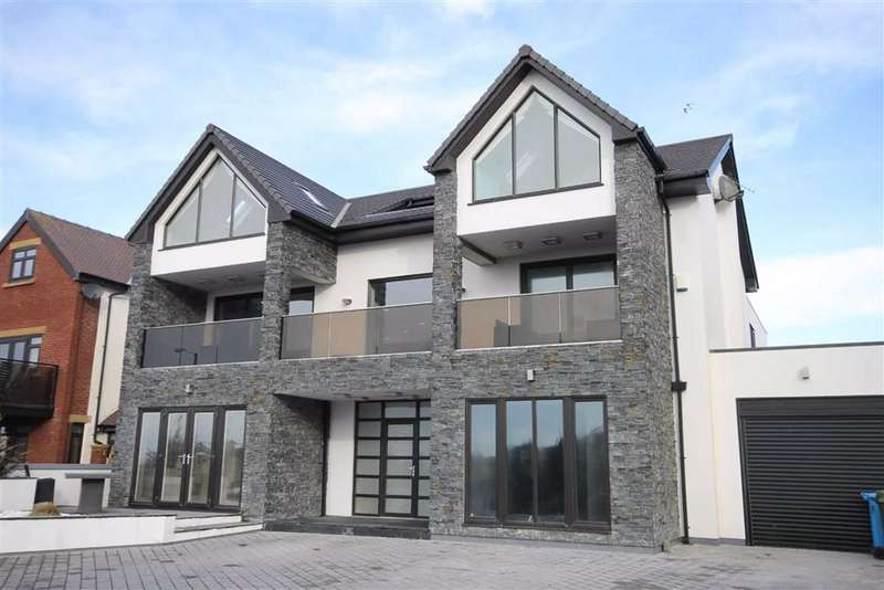 5 Bedrooms Detached House for sale in Inner Promenade, Fairhaven, Lytham St Annes